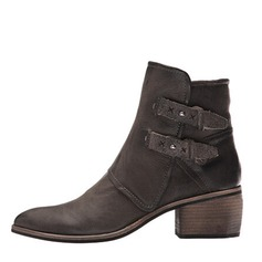 Women's Leatherette Chunky Heel With Buckle shoes