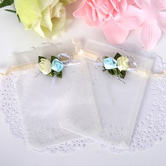Simple Favor Bags With Flowers