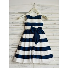 A-Line/Princess Tea-length Flower Girl Dress - Taffeta Sleeveless Scoop Neck With Bow(s)