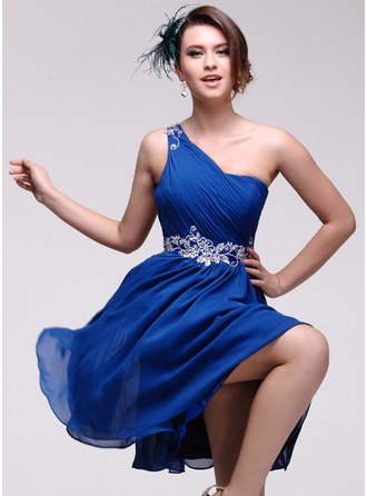 A-Line/Princess One-Shoulder Knee-Length Chiffon Homecoming Dress With Embroidered Ruffle Beading