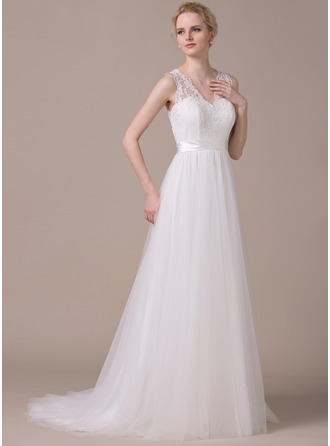 A-Line/Princess V-neck Sweep Train Tulle Wedding Dress With Appliques Lace Bow(s)