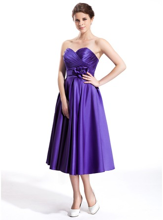 A-Line/Princess Sweetheart Tea-Length Satin Bridesmaid Dress With Ruffle Flower(s)