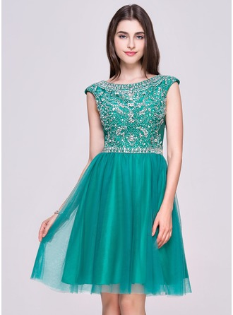 A-Line/Princess Scoop Neck Knee-Length Tulle Homecoming Dress With Beading Sequins