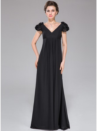Empire V-neck Sweep Train Chiffon Evening Dress With Ruffle