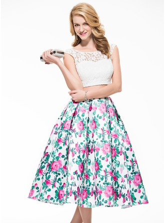 A-Line/Princess Scoop Neck Tea-Length Lace Homecoming Dress