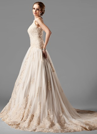 A-Line/Princess Halter Chapel Train Tulle Lace Wedding Dress With Beading
