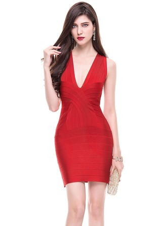 Sheath/Column V-neck Short/Mini Cocktail Dress With Ruffle