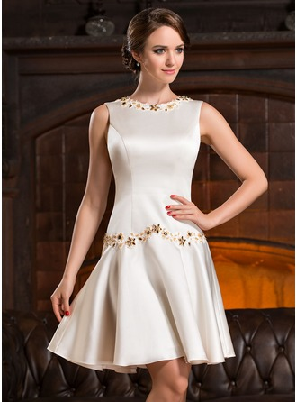 A-Line/Princess Scoop Neck Knee-Length Satin Cocktail Dress With Beading Appliques Lace Sequins