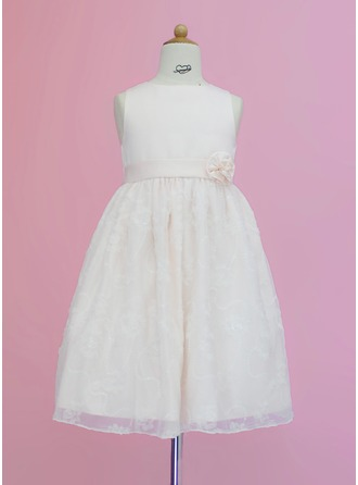 A-Line/Princess Scoop Neck Tea-Length Satin Lace Flower Girl Dress With Sash Flower(s)