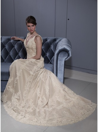 A-Line/Princess V-neck Court Train Tulle Wedding Dress With Lace Beading