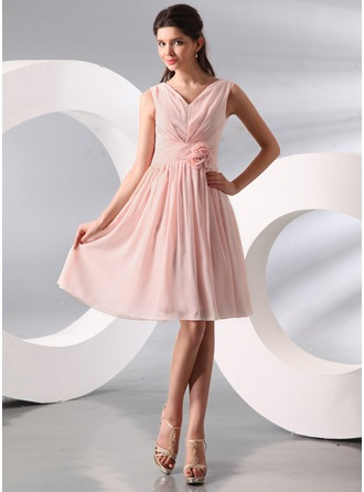 A-Line/Princess V-neck Knee-Length Chiffon Holiday Dress With Ruffle