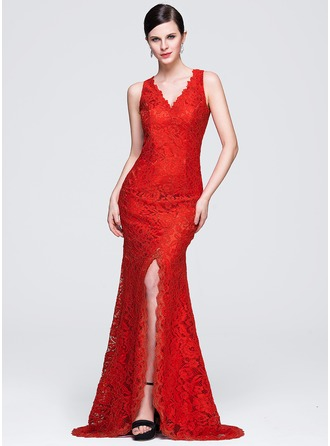 Trumpet/Mermaid V-neck Sweep Train Lace Evening Dress With Split Front