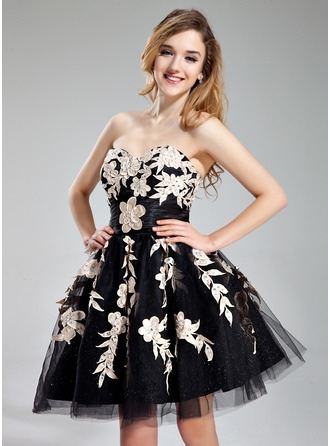A-Line/Princess Sweetheart Short/Mini Tulle Homecoming Dress With Ruffle Beading Appliques Lace