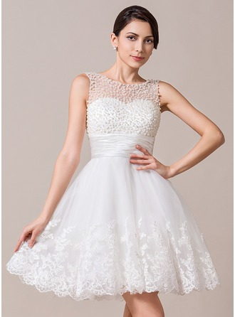 A-Line/Princess Scoop Neck Knee-Length Tulle Charmeuse Wedding Dress With Ruffle Beading Appliques Lace