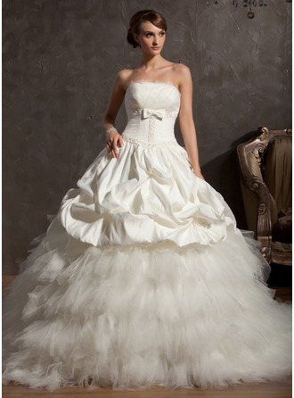 Ball-Gown Scalloped Neck Chapel Train Tulle Wedding Dress With Beading Flower(s) Bow(s)