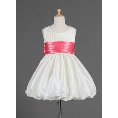 Empire Knee-length Flower Girl Dress - Taffeta Sleeveless Scoop Neck With Ruffles/Sash/Bow(s)