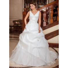 Ball-Gown V-neck Chapel Train Taffeta Wedding Dress With Ruffle Appliques Lace
