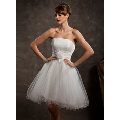 A-Line/Princess Strapless Knee-Length Tulle Homecoming Dress With Ruffle Flower(s)