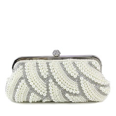 Lovely Pearl With Rhinestone Clutches