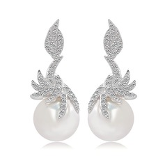 Unique Pearl/Zircon/Platinum Plated Ladies' Earrings