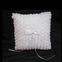 Romantic Rose Ring Pillow With Bow/Petals