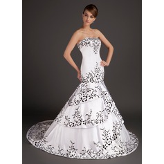 Trumpet/Mermaid Sweetheart Sweep Train Satin Wedding Dress With Embroidered