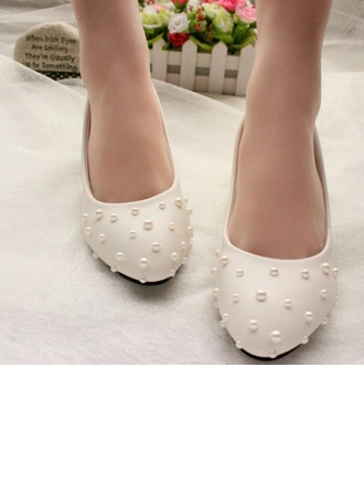 Women's Patent Leather Low Heel Closed Toe Pumps With Imitation Pearl